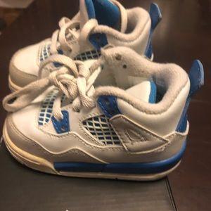 Kids Jordan 4 Retro size 4 toddler 4c white blue